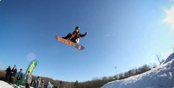 cannonsburg_snowboarder_590_300_50_all_5_s_c1_center_center_0_0_1