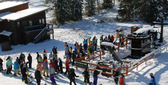 ski-brule-lift-line_590_300_50_all_5_s_c1_center_center_0_0_1